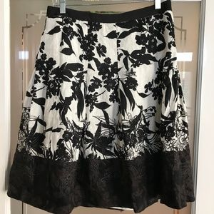 Ann Taylor Floral Embroidered A-line Skirt 6